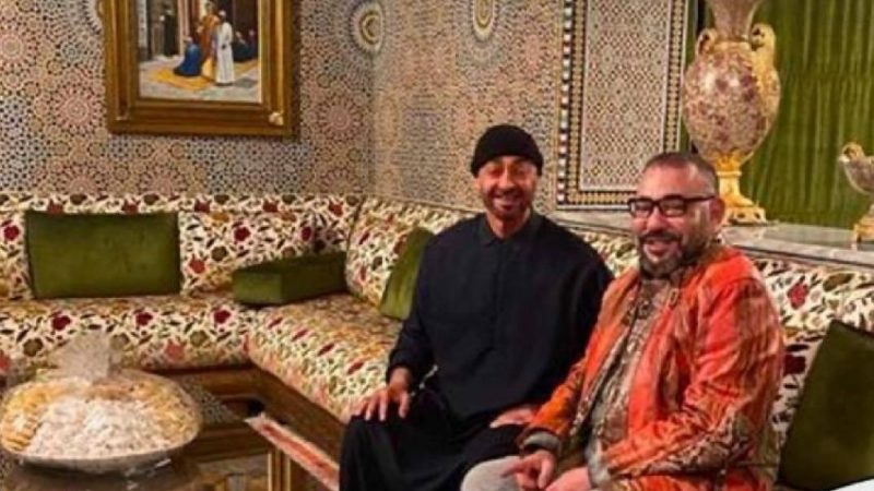 الملك يزور محمد آل نهيان في مقر إقامته بالمغرب