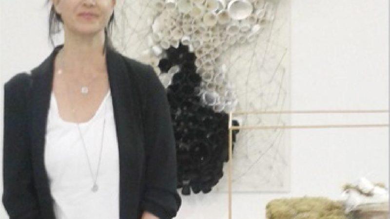 الفنانة هدى ترجمان تعرض جديد أعمالها بمراكش