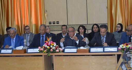 مجلس جهة مراكش أسفي يصادق على مشروع إتفاقية إحداث مجموعة 'مراكش للنقل'