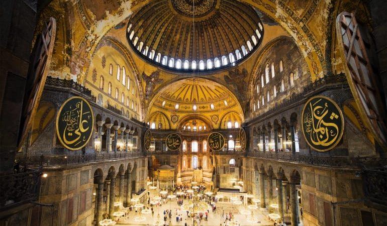لماذا حولتم آيا صوفيا إلى جامع؟ الرئيس التركي يستعرض تاريخ إسطنبول معتبرا الفاتح إمبراطورا رومانيا