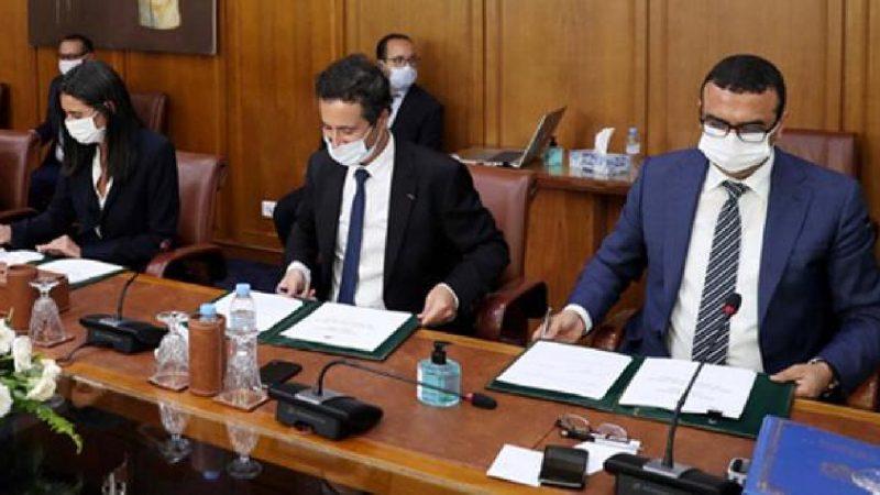 التوقيع على ميثاق للإنعاش الاقتصادي والشغل وعقد برنامج حول السياحة