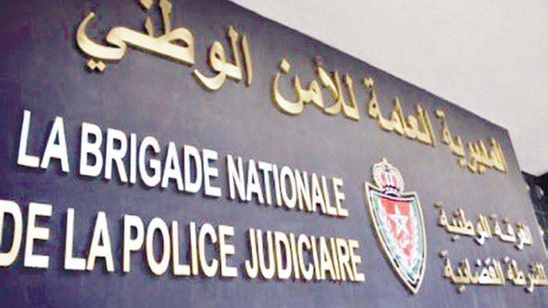 التحقيق مع ضابط شرطة يشتبه تورطه في الإرتشاء والابتزاز