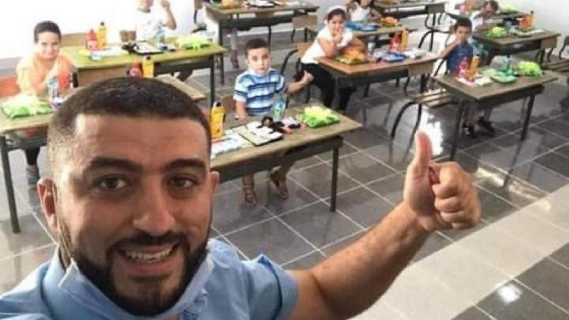 الاستاذ 'الفقيه' نجم أول أيام الموسم الدراسي في زمن كورونا