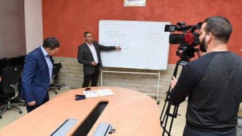 التربية الوطنية تعلن وضع كراسات الكترونية للمتعلمين والمتعلمات