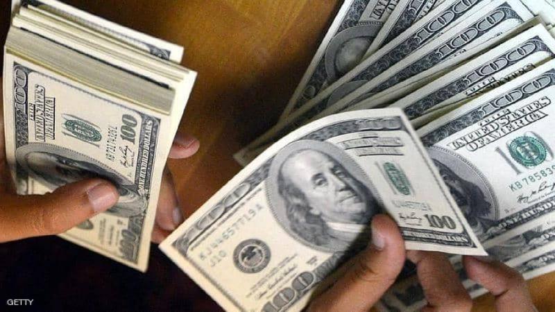 نفس المسار العكسي.. الدولار يتراجع عن ذروة شهرين