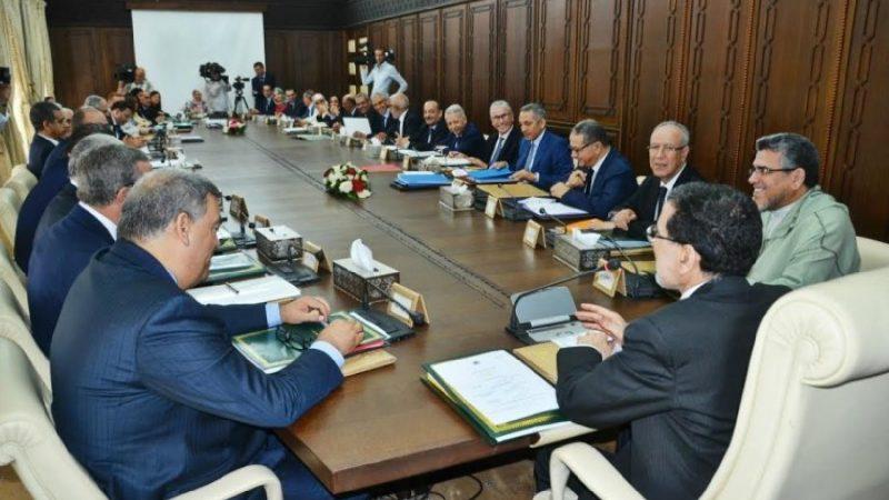 الحكومة تناقش تمديد مدة سريان مفعول حالة الطوارئ الصحية بسائر أرجاء التراب الوطني