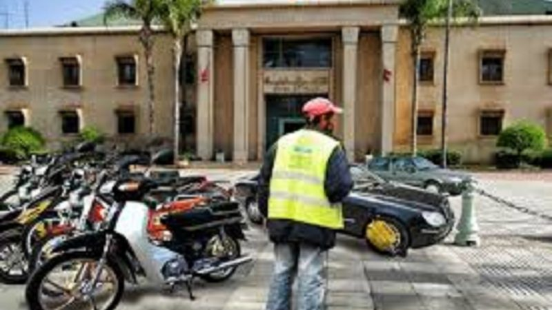 مكترو محطات وقوف الدراجات والسيارات يطالبون المجلس الجماعي بالاستغلال المجاني للمحطات