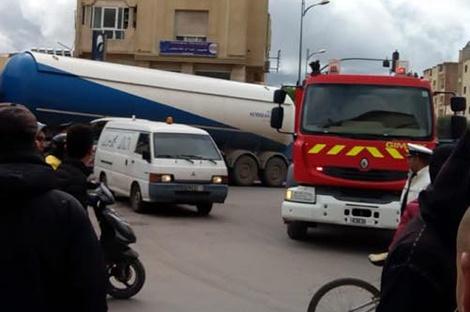 عجلات شاحنة تقتل راكب دراجة في مدينة شيشاوة