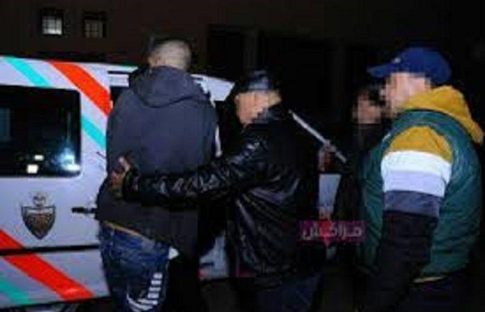 أمن مراكش يتمكن من شخص متورط في قضية سرقة ونصب واحتيال وانتحال صفة ينظمها القانون