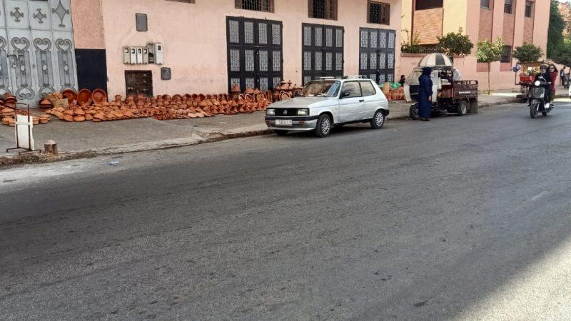 فوضى الباعة المتجولين بمحيط سوق بلبكار تثير استياء التجار