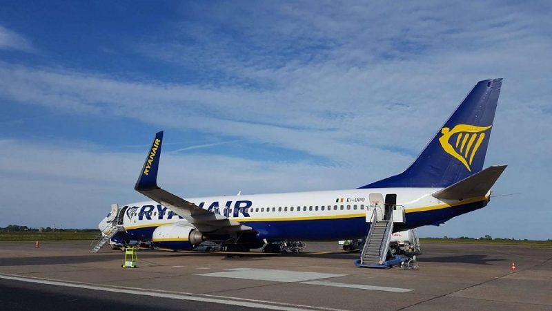 """مطار مراكش يستقبل أول طائرة تابعة لشركة """"ريان اير"""" بعد التوقف لعدة أشهر"""