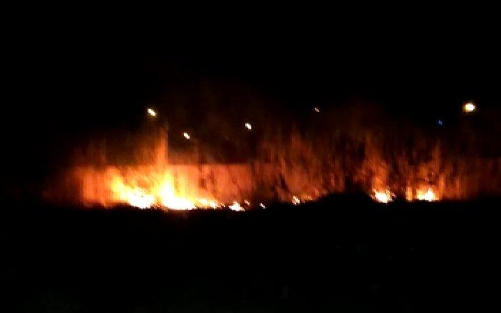 عاجل: اندلاع حريق مهول قبالة فندق بطريق الدار البيضاء