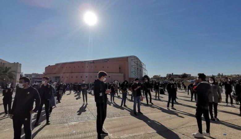 طلبة الفنون والمهن يصعدون احتجاجاتهم ضد الوزارة