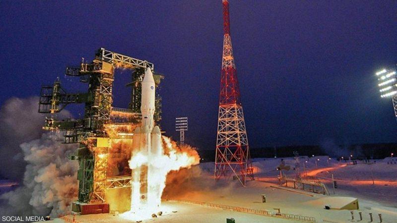 """بعد انتكاسات محرجة.. روسيا تطلق """"الصاروخ الثقيل"""" للفضاء"""