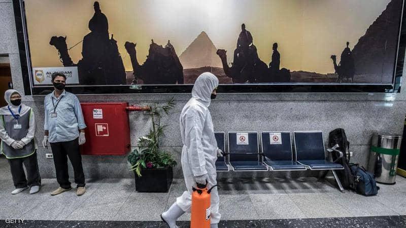 """إصابات كورونا في مصر.. """"قفزة"""" تتخطى معدل يوليوز"""