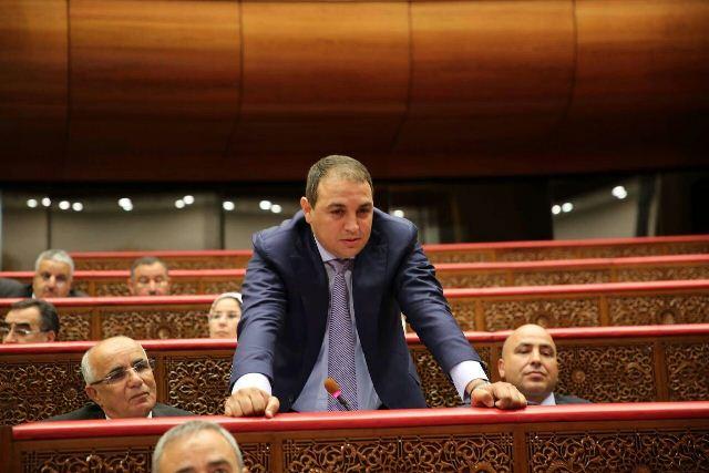 البرلماني عادل بركات يستغل النفوذ بجلسة دستورية من أجل الدعاية لمشروع عقاري بمراكش