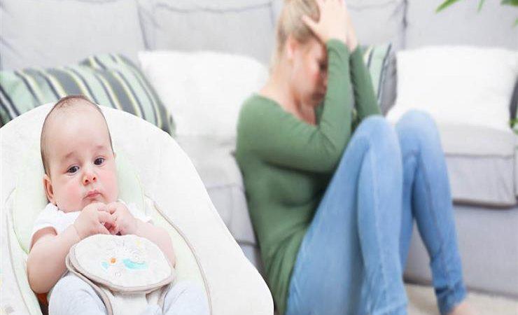 اكتئاب ما بعد الولادة.. الأسباب والنصائح