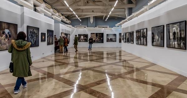 لوحة فنية لمدينة مراكش في مزاد علني بسعر يتجاوز 3 ملايين درهم