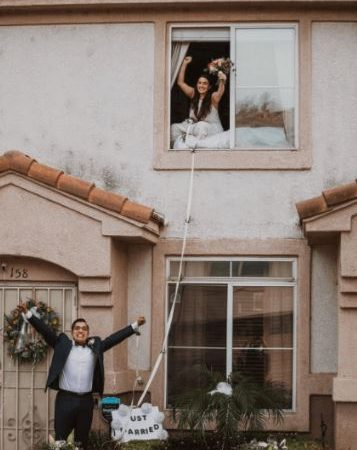 """""""روميو وجولييت 2020"""".. زواج عبر النافذة بسبب كورونا"""