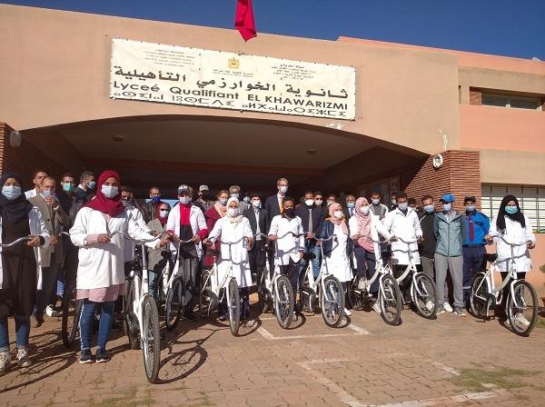 توزيع 270 دراجة هوائية على تلامذة ثانوية الخوارزمي بإقليم قلعة السراغنة