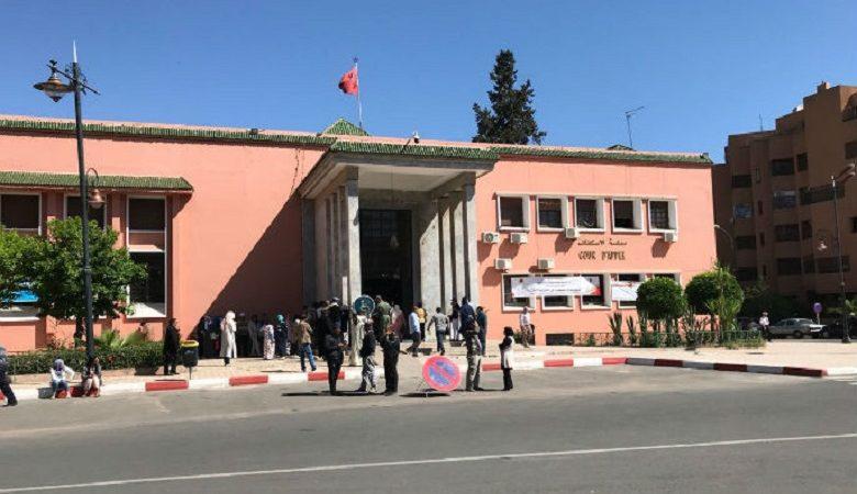 فرع مراكش للنقابة الوطنية للصافحة المغربية يدين منع صحفي مهني من تغطية ملفات قضائية بمحكمة الاستئناف