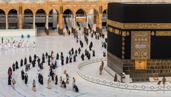 وزير الحج السعودي: يستحسن للراغب في أداء العمرة تلقي لقاح فيروس كورونا