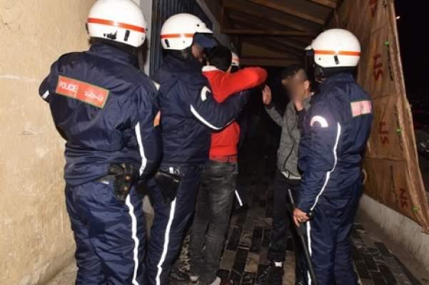 أمن مراكش يضع حدا لشخص احتال على الكثيرين باستعمال شيكات بنكية مسروقة