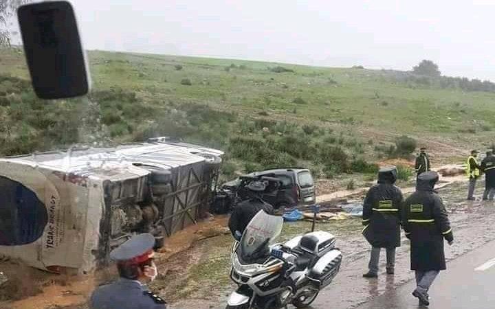 13 جريحا في حادث انزلاق حافلة لنقل الركاب