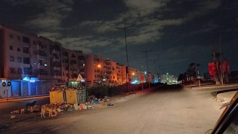 أهم شارع بالمحاميد يعيش تحت وطأة الظلام.. والوضع يناسب اللصوص