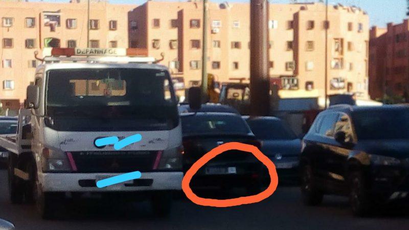 سيارة تابعة للمجلس الجماعي مراكش تتسبب في فوضى عارمة بالشارع العام