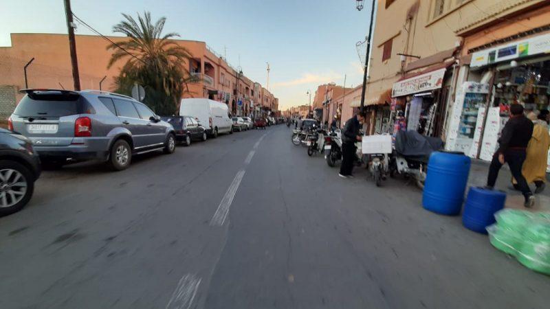 مطالب باٍعادة حركة السير الى طبيعتها في شارع الرميلة بمراكش