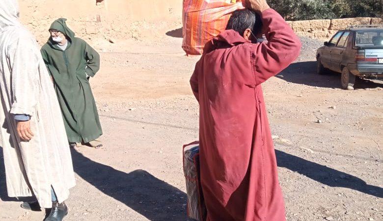 أولاد الخير من مراكش يوفرون القفف التضامنية لأسر وفي ضعية هشة بأغواطيم