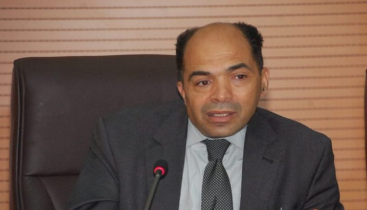 الأستاذ بجامعة القاضي عياض ادريس لكريني يصدر مؤلفه الجديد حول تدبير أزمات التحول الديمقراطي