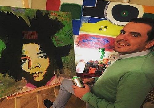 الفنان التشكيلي ادريس بنواحود يعرض لوحاته في مراكش