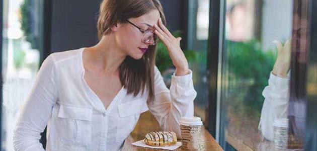 أسباب و علاج الصداع بعد تناول الطعام