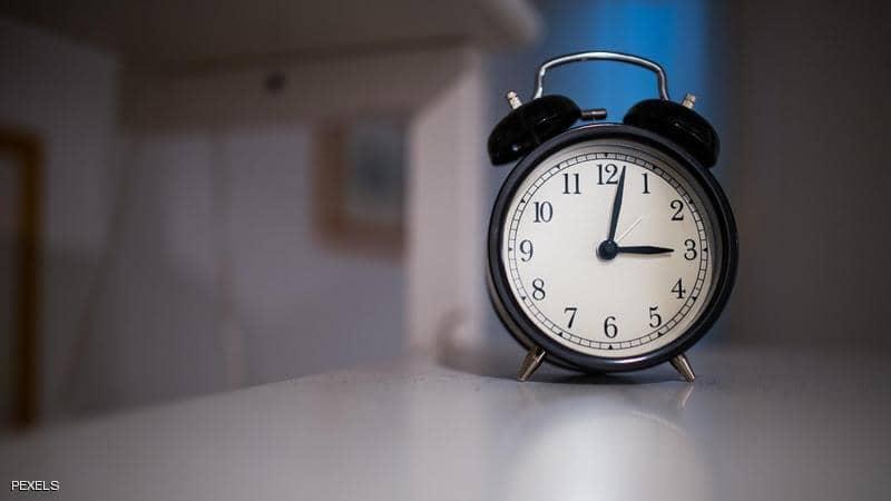 الاستيقاظ عند الثالثة صباحا.. تعرف على أسبابه وحلوله