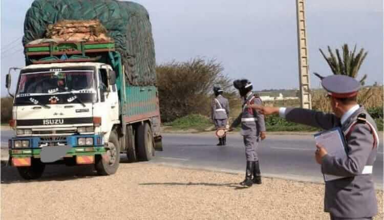 إيقاف شاحنة محملة بمخلفات وحدة لإنتاج الملابس الجلدية بمراكش