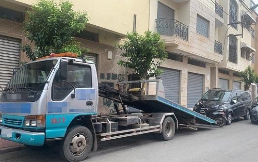 مهنيو النقل السياحي يهددون بالتصعيد بعد حملة حجز عرباتهم