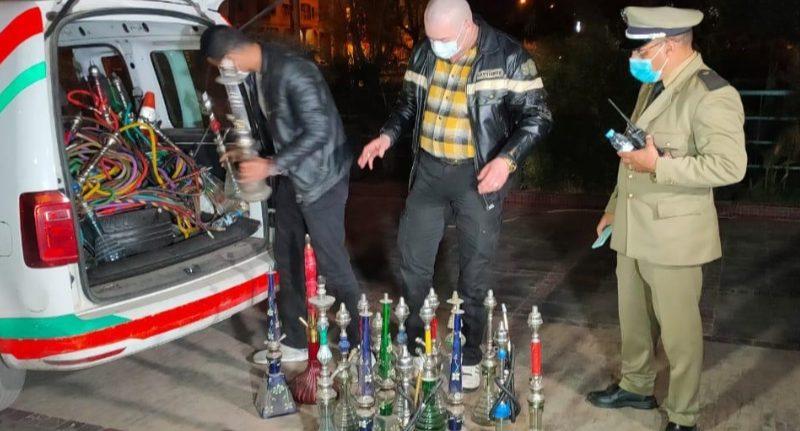 مداهمة مقهى للشيشا بحي المسيرة 1و إيقاف 11 شخص بداخلها، وحجز 60 نرجيلة