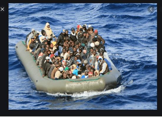 تدخل عسكري مغربي..اٍنقاذ 33 امرأة و 7 أطفال وسبعة رضع من الغرق