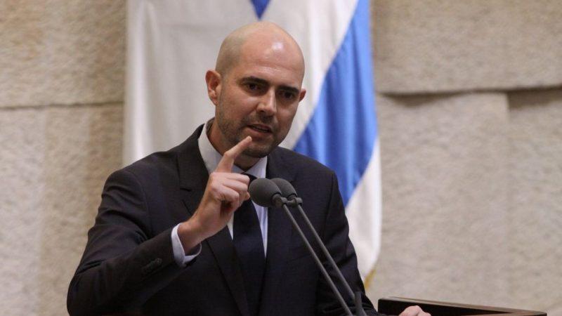 وزير داخلية إسرائيل للوزير لفتيت: بابا رباطي وأمي وزانية