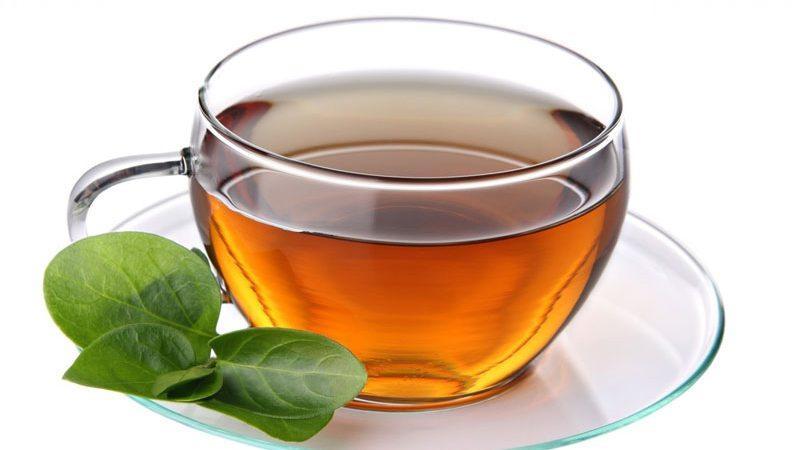 """5 أكواب من الشاي يوميا.. دراسة تكشف """"المفعول السحري"""""""