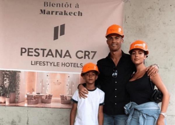 النجم البرتغالي رونالدو يستعد لزيارة مراكش من أجل افتتاح فندقه الجديد