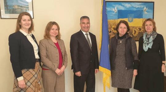 سفيرة أوكرانيا لدى المغرب والقنصل الفخري في مراكش يتباحثان آفاق تطوير العلاقات بين البلدين