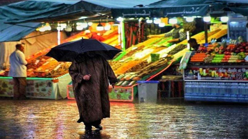 المطر ، فرصة للمشي والركض  تعرفوا على أهم الفوائد