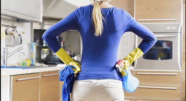 المحكمة تلزم زوجا بدفع تعويض لزوجته عن الأعمال المنزلية