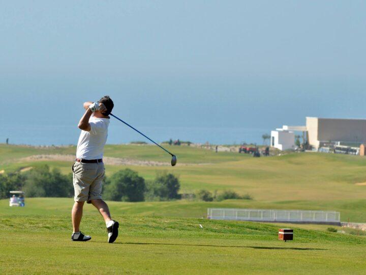 """دوري في لعبة الغولف لفائدة أطفال جمعية """"ملائكة مراكش"""" من ذوي التثلث الصبغي"""