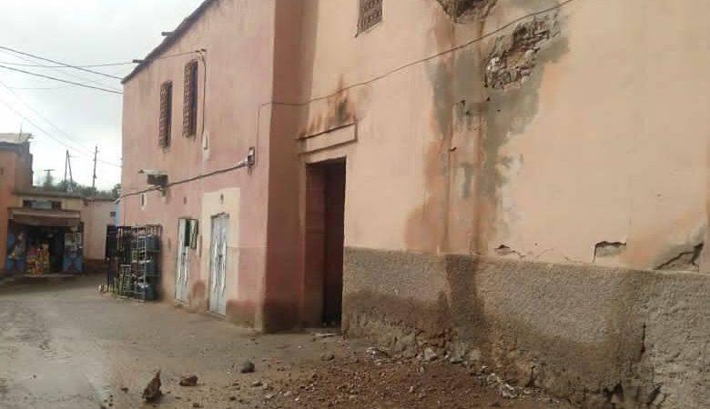 """منزل طيني مهجور آيل للسقوط ينشر الرعب في صفوف سكان"""" أمزوغ الشتوي"""" بتكركوست"""