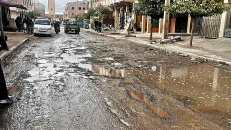 """سكان حي الآفاق ينخرطون في حملة """"حفرة لكل مواطن"""""""