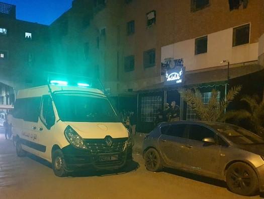 مداهمة مقهى للشيشا بحي المسيرة 2 واعتقال العشرات من الزبناء من ضمنهم فتيات